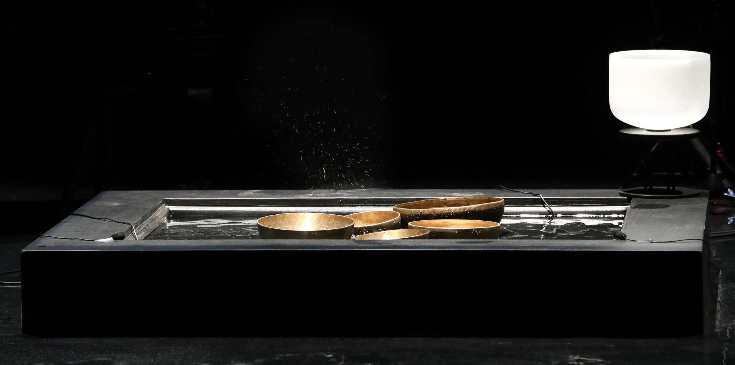 VERS LA RESONANCE, Compositiongenerale Thierry Balasse, Musique originale Thierry Balasse, Eric Lohrer, Cecile Maisonhaute et Julien Reboux, Choregraphie Anusha Emrith, Eclairages Bruno Faucher, Sonorisation Vincent Dona, Textes extraits de Un bruit de balancoirede Christian Bobin, Electroacoustique, synthetiseurs, percussions, basse electrique Thierry Balasse ; Danse voix parlee Anusha Emrith ; Guitare, guitare electrique, basse electrique Eric Lohrer ; Piano, synthetiseur, voix chantee, voix parlee Cecile Maisonhaute ; Electroacoustique Julien Reboux, Regie generale et regie plateau Mickael Marchadier, Maison de la musique de Nanterre le 29 octobre 2020.(photo by Patrick Berger)